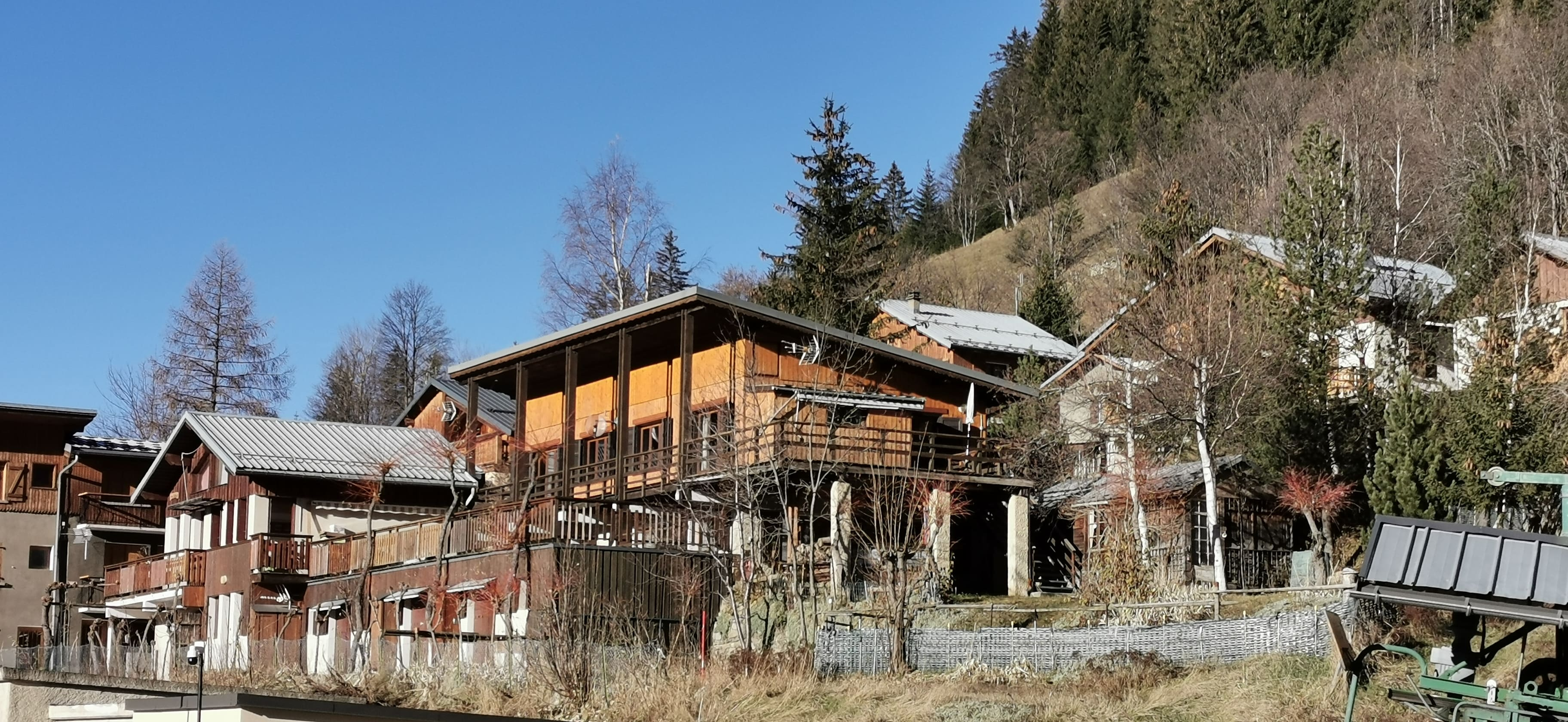 8 room chalet 200 m² ski in ski out