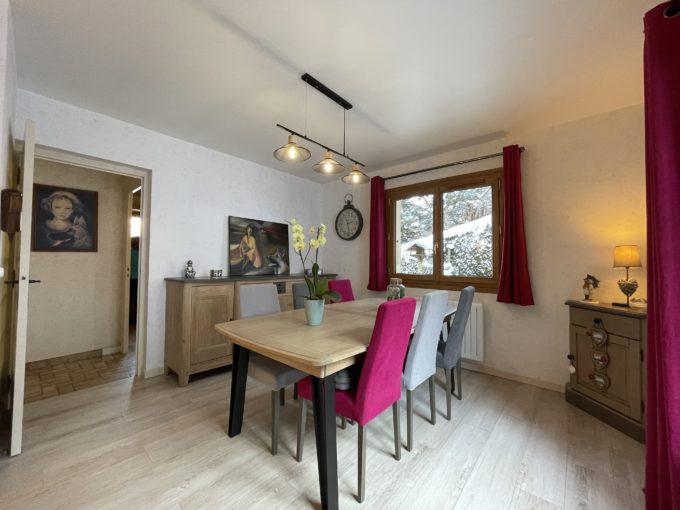 Maison 8 pièces 250 m² avec jardin